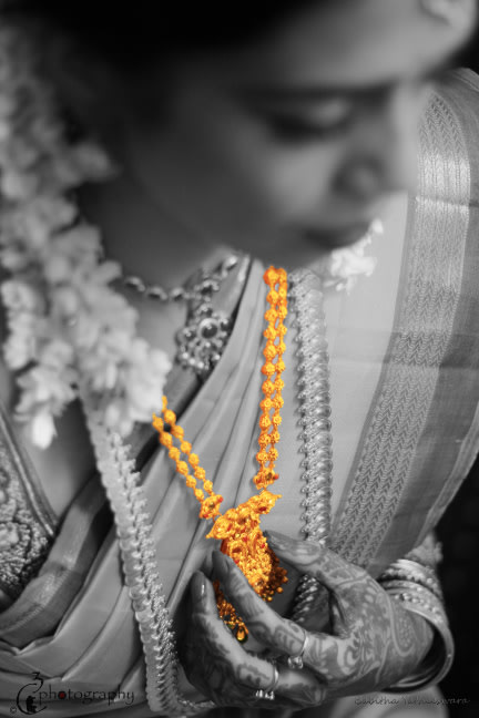 gold necklace of the bride! by C3 Photography Wedding-photography | Weddings Photos & Ideas