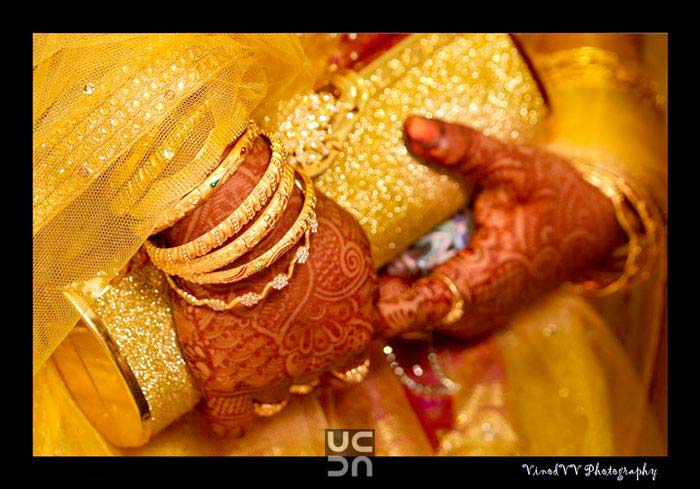 A beautiful design of mehendi of the bride! by Vinod VV Photography Wedding-photography | Weddings Photos & Ideas