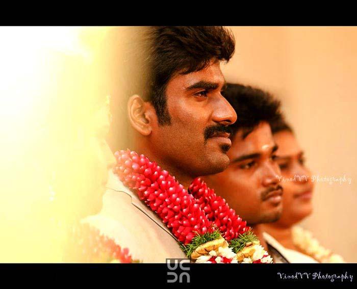 A dashing groom on his wedding day! by Vinod VV Photography Wedding-photography | Weddings Photos & Ideas