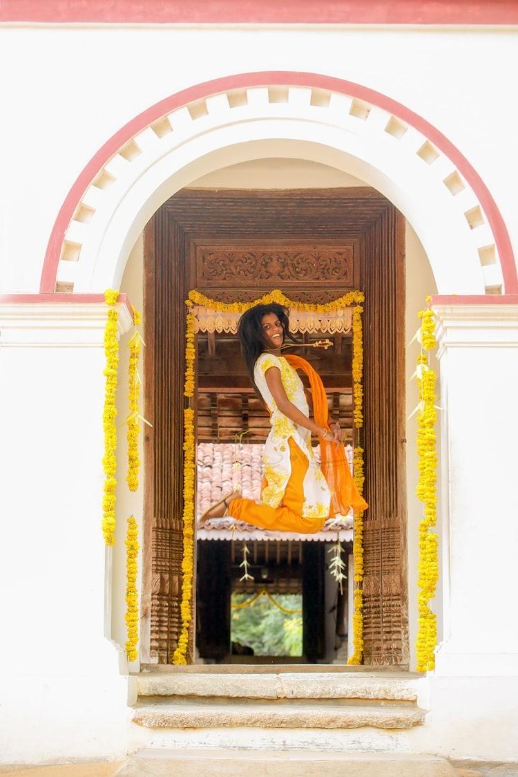 A joyful bride-to-be! by Vinod VV Photography Wedding-photography | Weddings Photos & Ideas