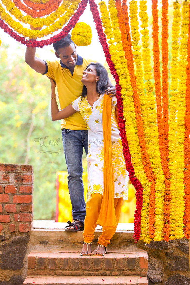 A sunny couple wearing yellow! by Vinod VV Photography Wedding-photography | Weddings Photos & Ideas