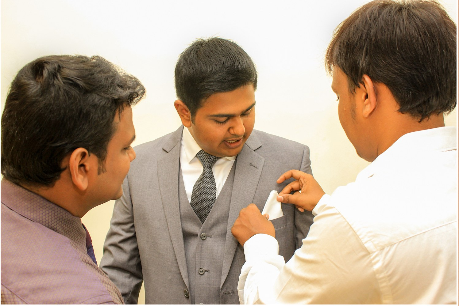 Groom getting ready for his reception! by Vinod VV Photography Wedding-photography | Weddings Photos & Ideas