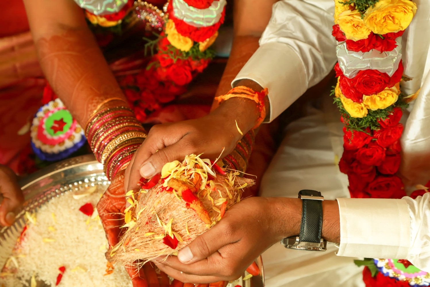 A ritual in a wedding! by Vinod VV Photography Wedding-photography   Weddings Photos & Ideas