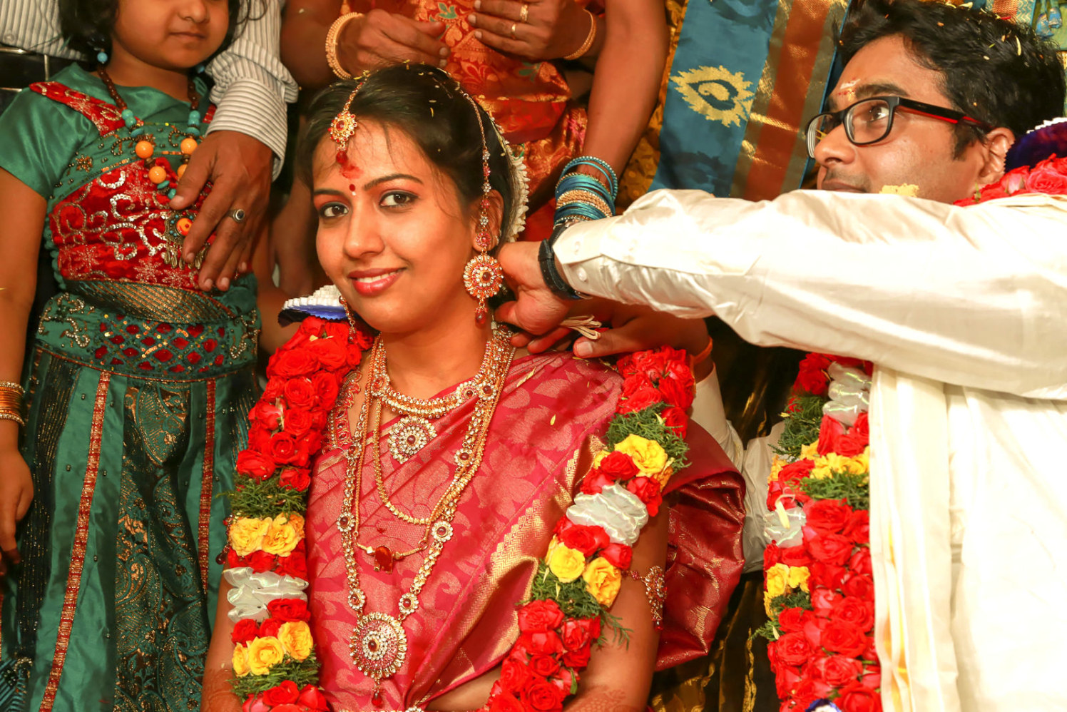 A ceremony in a south Indian wedding! by Vinod VV Photography Wedding-photography | Weddings Photos & Ideas