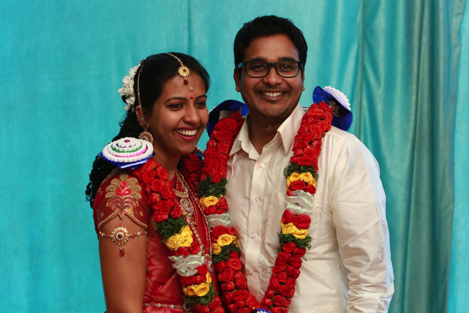 A radiant couple ready for their new phase in life! by Vinod VV Photography Wedding-photography | Weddings Photos & Ideas