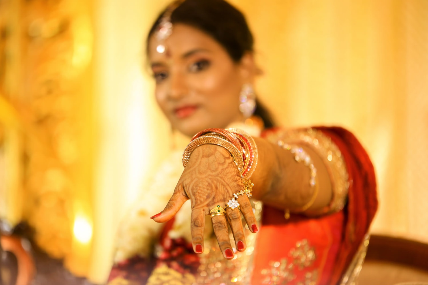 A bride showing her rings! by Vinod VV Photography Wedding-photography | Weddings Photos & Ideas