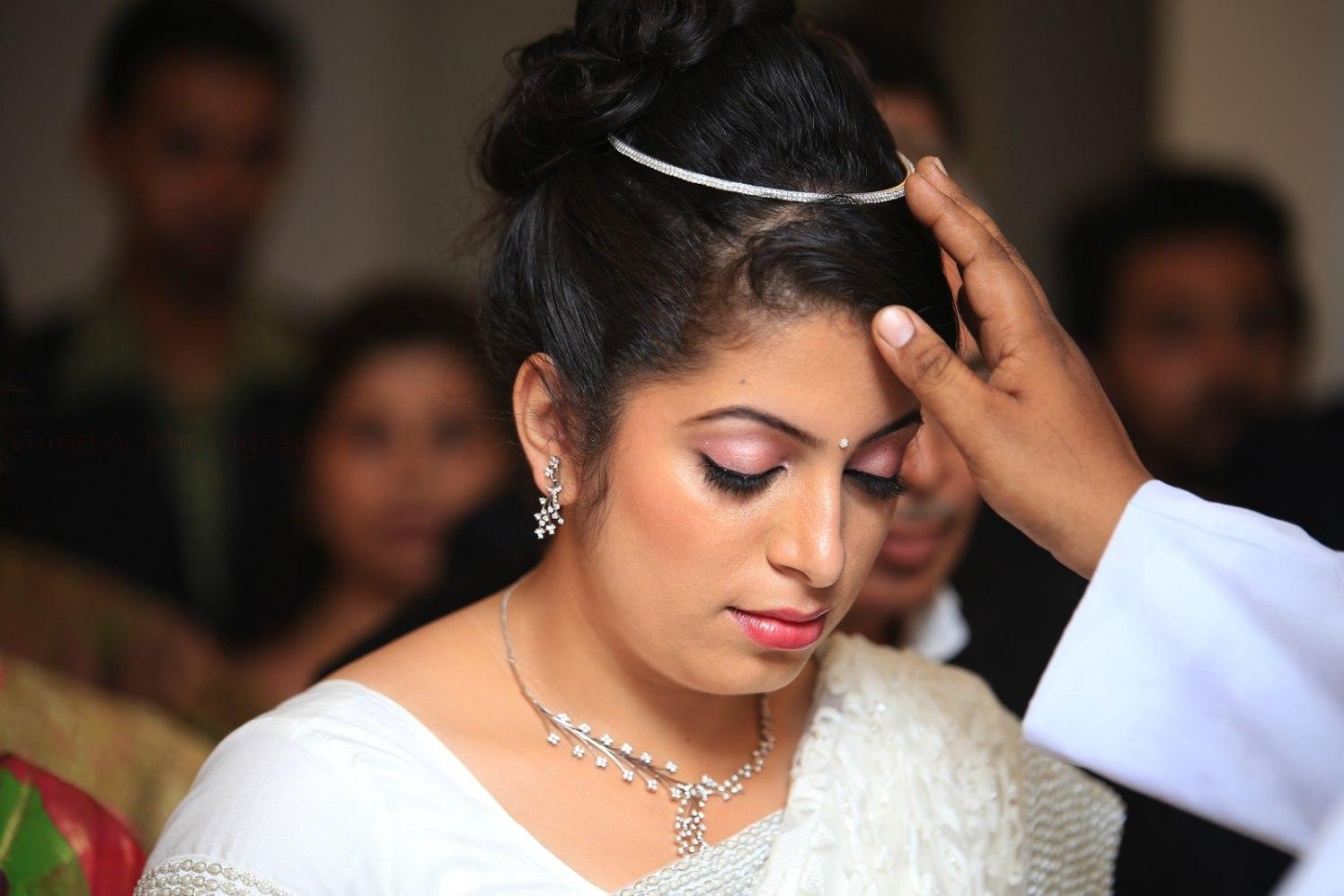 A graceful bride on her wedding! by Vinod VV Photography Wedding-photography | Weddings Photos & Ideas