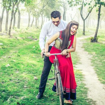 A splendid couple! by Krish Photography Wedding-photography   Weddings Photos & Ideas