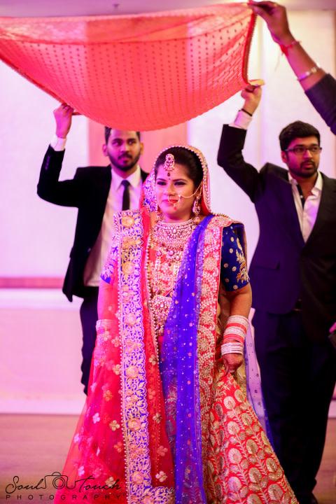 Sparkling shade of beautiful bride by Ashutosh Wedding-photography   Weddings Photos & Ideas