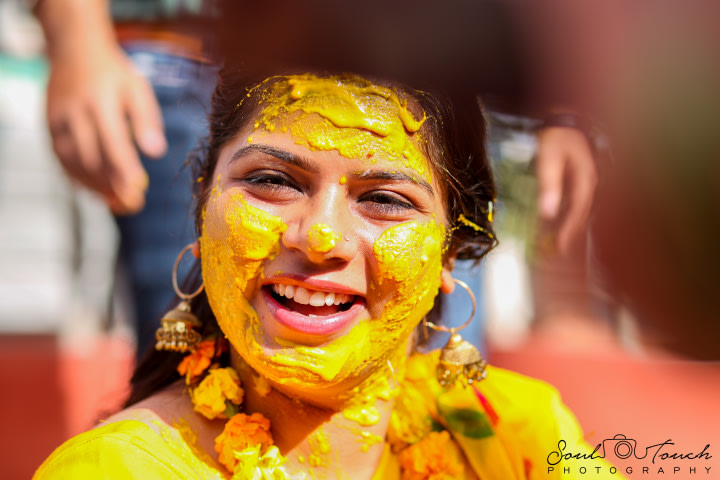Perky haldi ceremony by Ashutosh Wedding-photography | Weddings Photos & Ideas