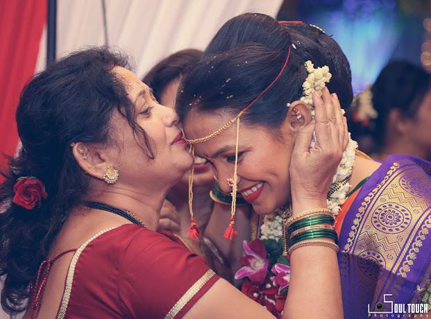 Blessed Beautiful Marathi Bride by Ashutosh Wedding-photography | Weddings Photos & Ideas