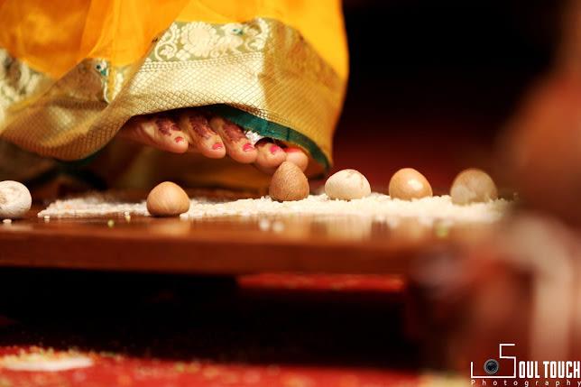 Blissful Marathi Wedding Traditions by Ashutosh Wedding-photography | Weddings Photos & Ideas