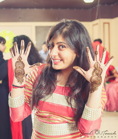 Flaunting Beautiful Mehndi by Ashutosh Wedding-photography | Weddings Photos & Ideas