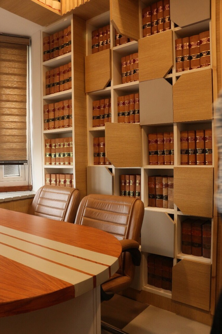 Office cabin with wooden furniture by CE Architects Traditional | Interior Design Photos & Ideas