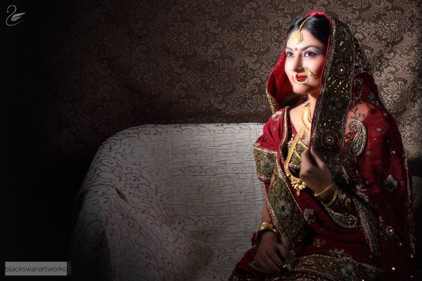 Splendid Bride With Traditional Mehroon Lehenga And Gold Jewellery by Parikshit Ghosh Bridal-jewellery-and-accessories | Weddings Photos & Ideas