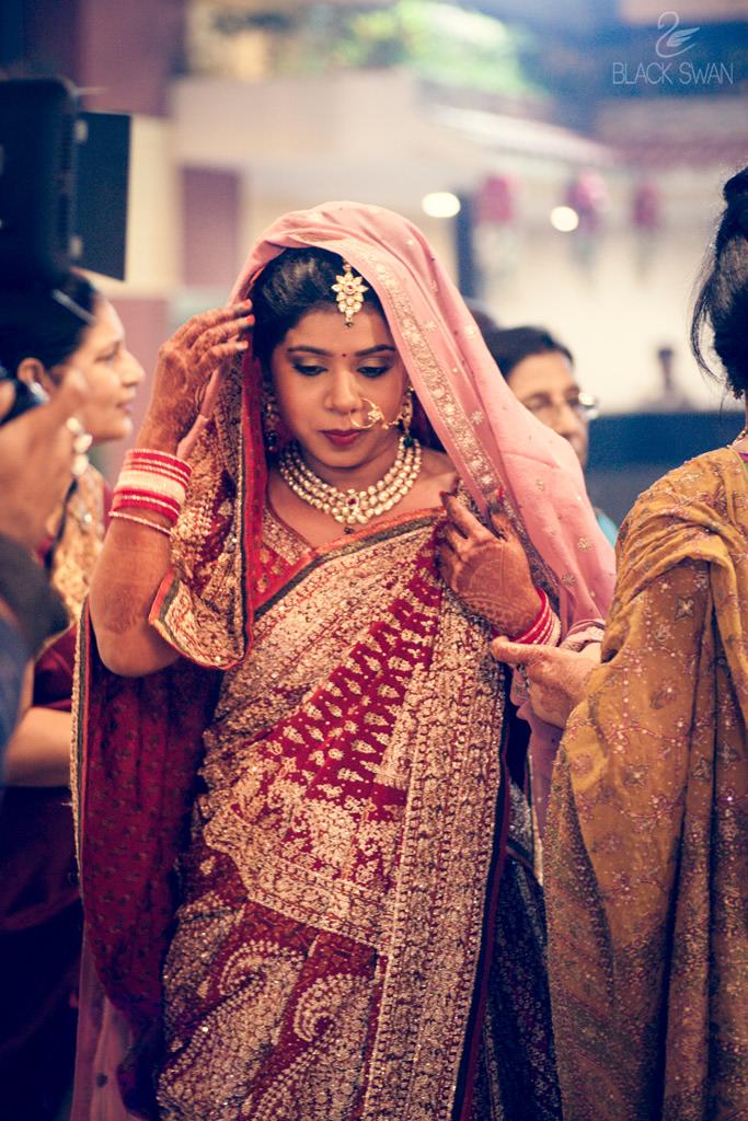 Ravishing Bride With Kundan Jewellery by Parikshit Ghosh Wedding-photography Bridal-jewellery-and-accessories | Weddings Photos & Ideas