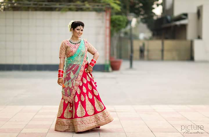 The pretty bride with a stellar pose by PictureTree Wedding-photography | Weddings Photos & Ideas