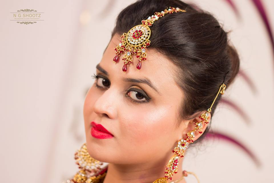 The bride looking elegant as ever with her eye catching jewellery by NG Shootz Wedding-photography | Weddings Photos & Ideas