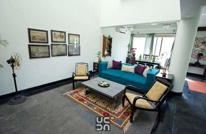 Beautiful living room interior by Amrita Rajput Living-room Modern | Interior Design Photos & Ideas