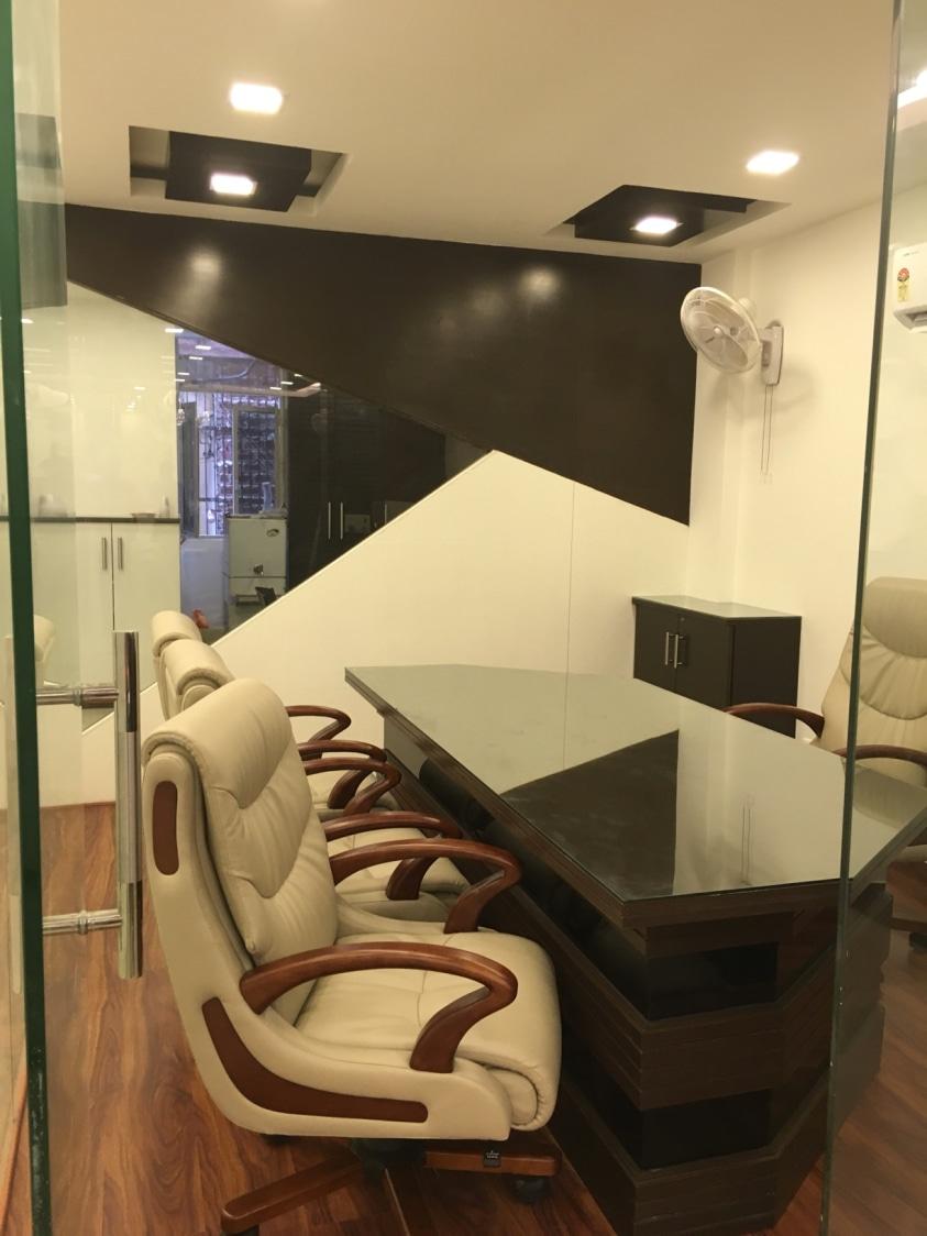 Mansarovar Law Office by Men at work Modern | Interior Design Photos & Ideas