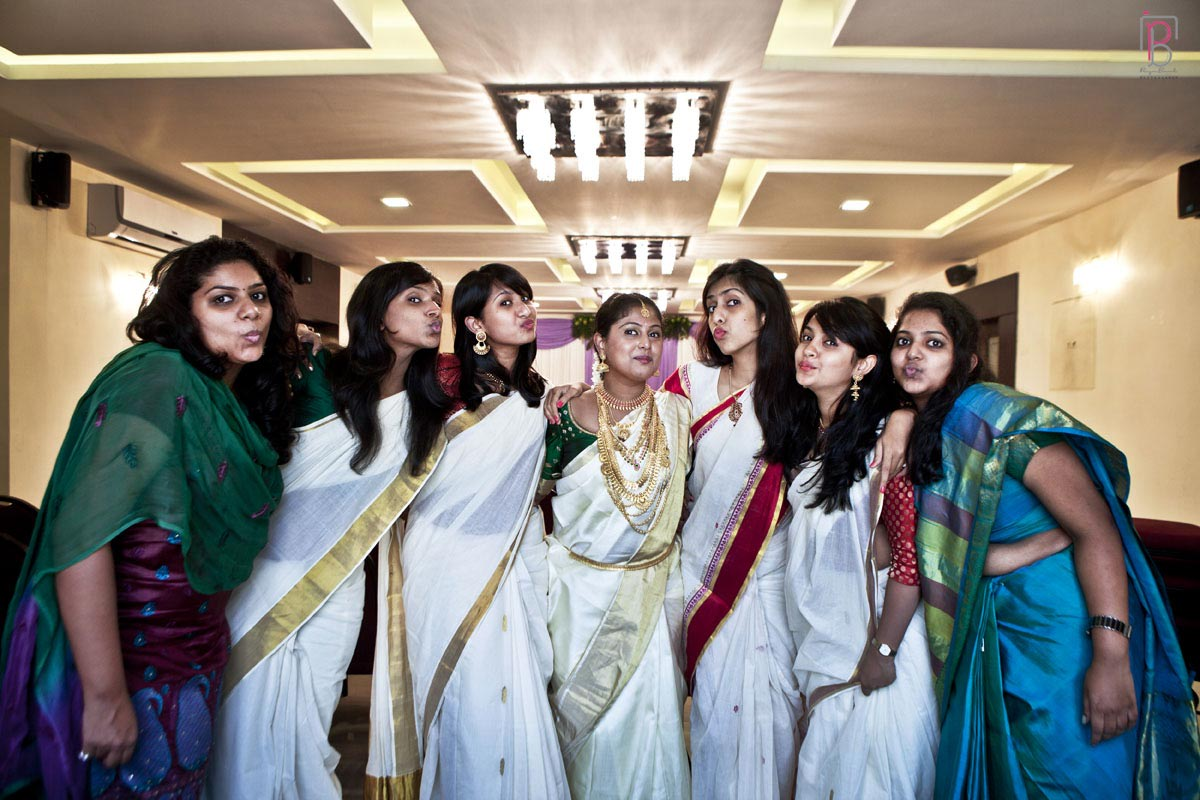 Bride and Friends of the Bride Pose by Priya Banik Photography Wedding-photography | Weddings Photos & Ideas