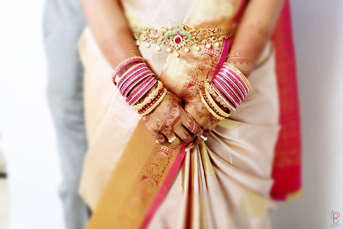 Bride Hand Shot by Priya Banik Photography Wedding-photography | Weddings Photos & Ideas