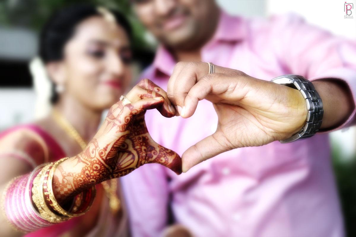 Bride and Groom Pose by Priya Banik Photography Wedding-photography | Weddings Photos & Ideas