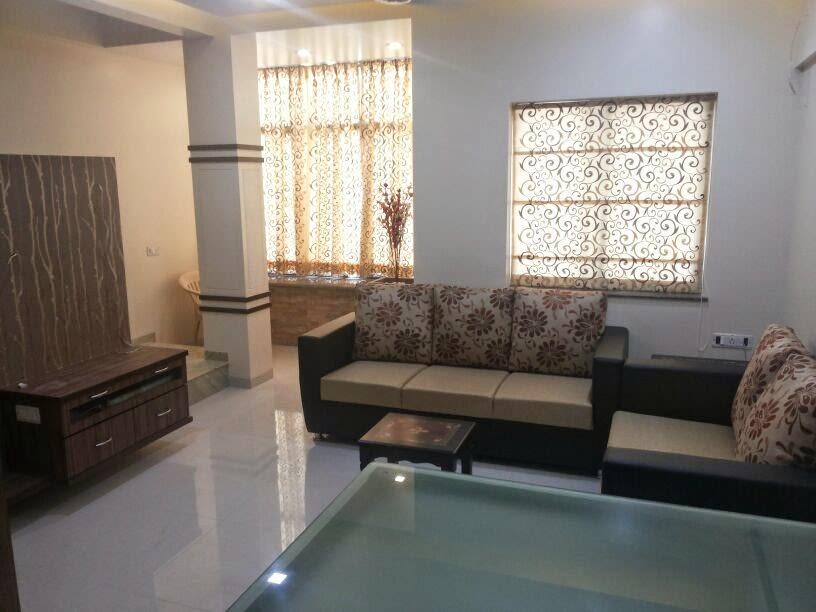 Breathing room by Ashapuri Interiors