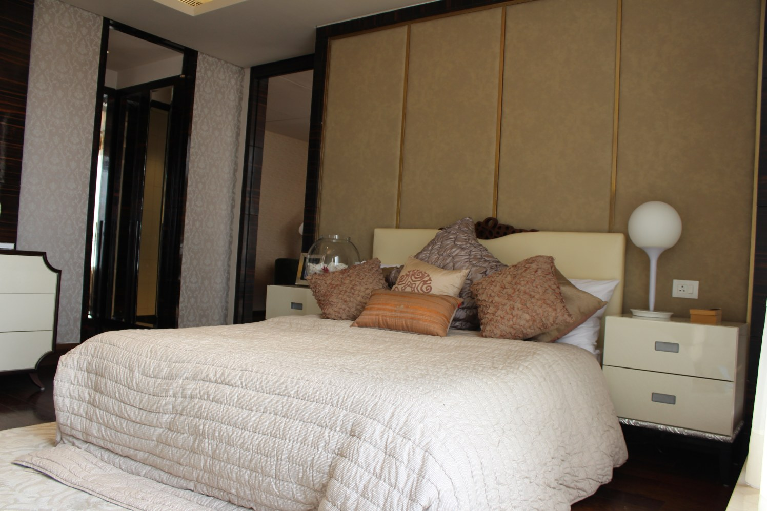 Warm And Cozy Bedroom With Impressive Wall Design by Sandeep Mehrwal Bedroom Contemporary | Interior Design Photos & Ideas