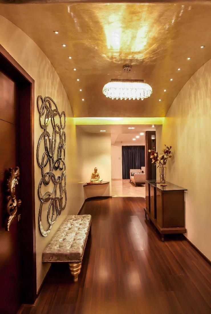 Modern hallway with wooden flooring by Five Elements Indoor-spaces Modern | Interior Design Photos & Ideas