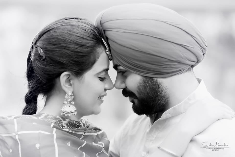 Balck And White Close Shot Of Sikh Bridegroom On Pre-Wedding Shoot by Sourab Sharma Wedding-photography | Weddings Photos & Ideas