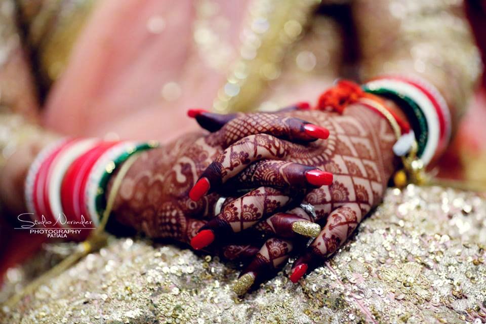 Dark heena, the essence of love! by Studio Narinder Photography Wedding-photography | Weddings Photos & Ideas