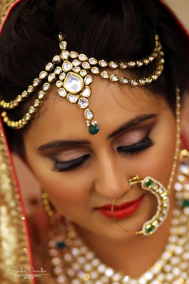 Emerald Green Kundan Headpiece by Sourab Sharma Wedding-photography Bridal-jewellery-and-accessories | Weddings Photos & Ideas
