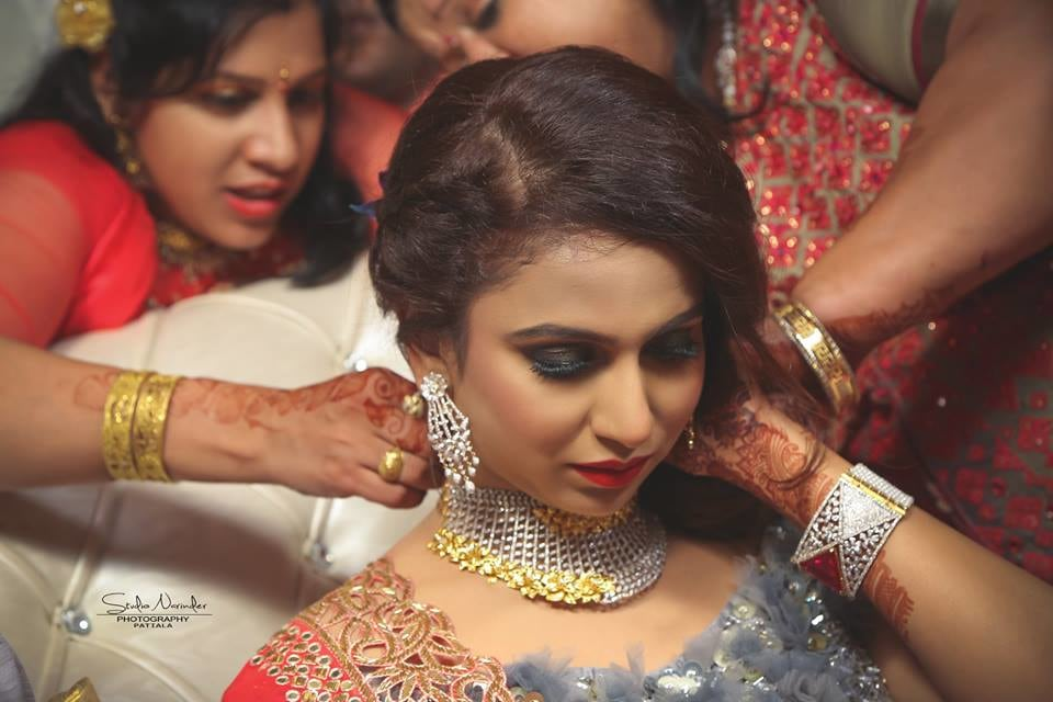 Getting ready !! by Studio Narinder Photography Wedding-photography   Weddings Photos & Ideas