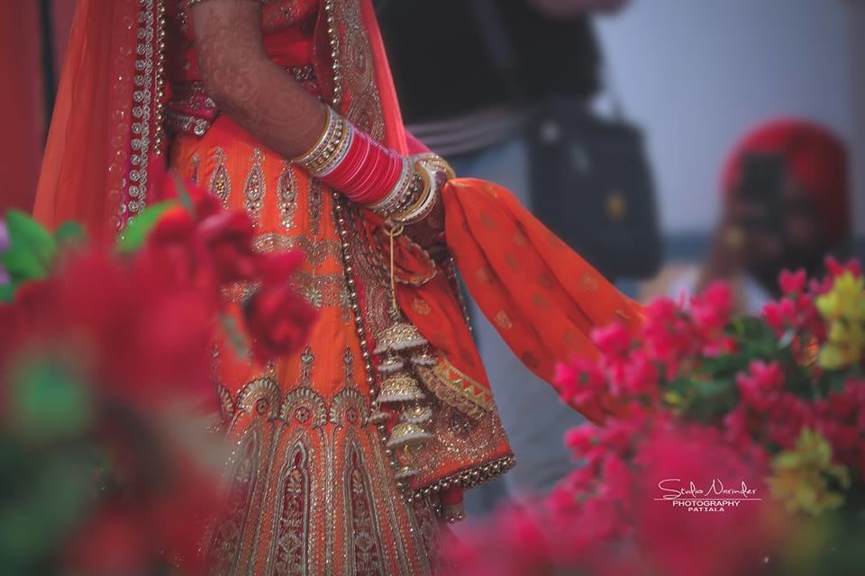Hold it ! by Studio Narinder Photography Wedding-photography | Weddings Photos & Ideas