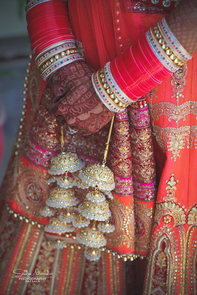 The Traditional Red And White Bridal Chuda With Golden Kaliras by Sourab Sharma Bridal-jewellery-and-accessories | Weddings Photos & Ideas