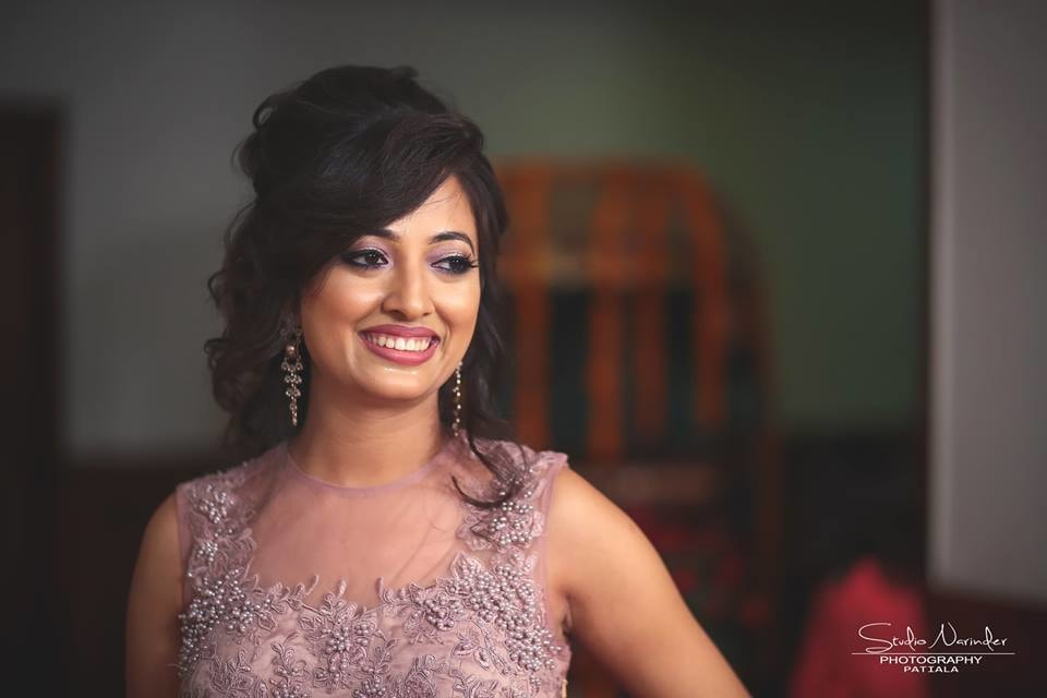 Elegant Bridal Makeup With Smokey Eyes And Bold Lips by Sourab Sharma Wedding-photography Bridal-makeup | Weddings Photos & Ideas