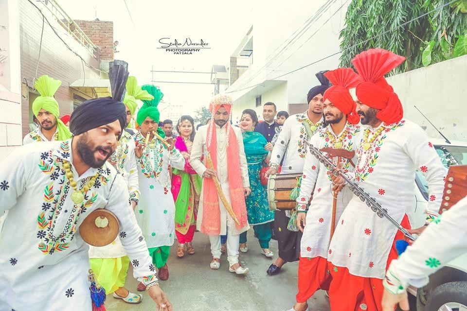 The barati dance !! by Studio Narinder Photography Wedding-photography | Weddings Photos & Ideas