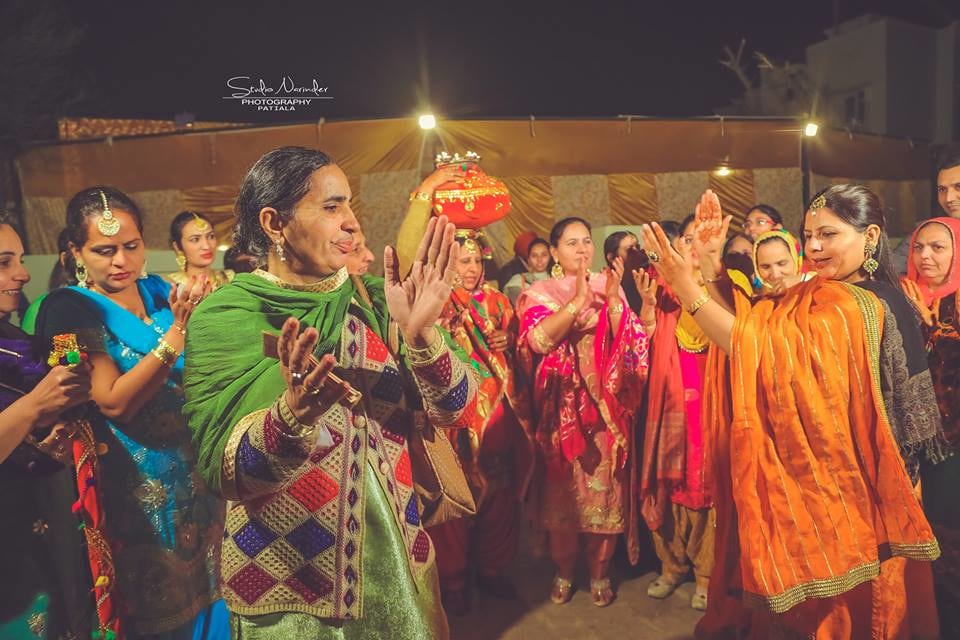Gidda Shot! by Sourab Sharma Wedding-photography | Weddings Photos & Ideas