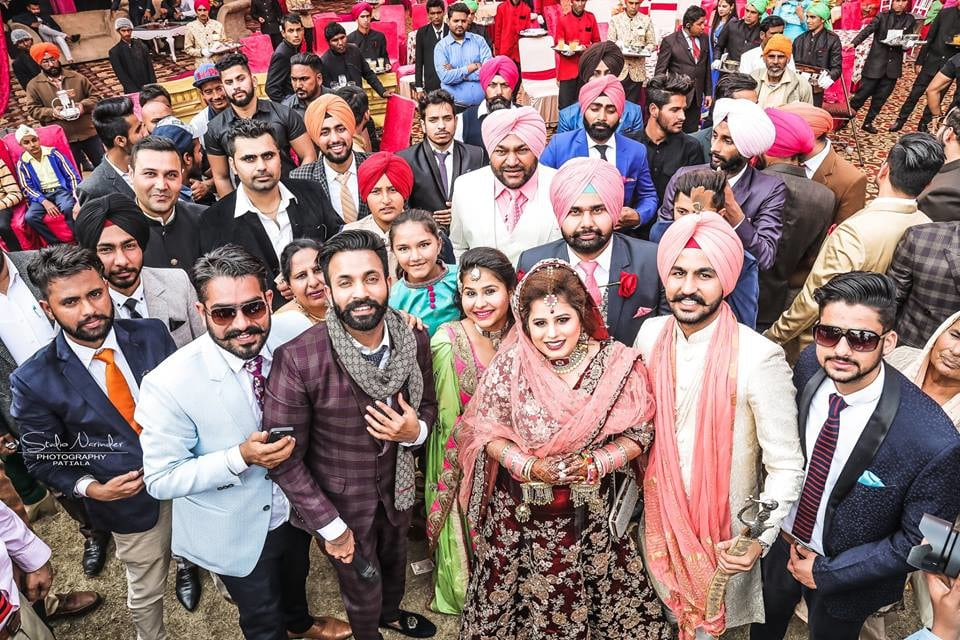 The family shot ! by Studio Narinder Photography Wedding-photography | Weddings Photos & Ideas