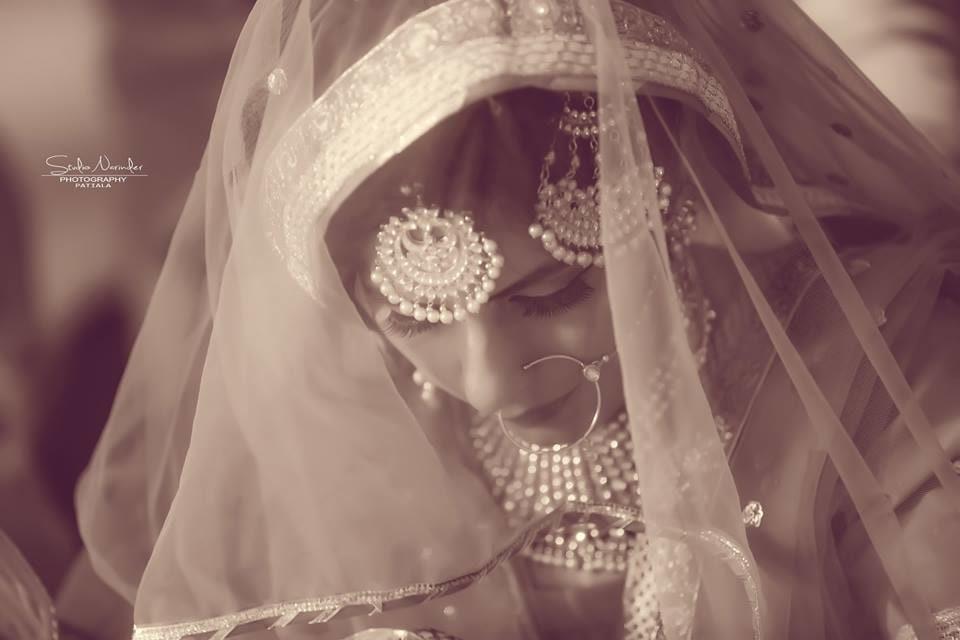 The glittering veil ! by Studio Narinder Photography Wedding-photography | Weddings Photos & Ideas