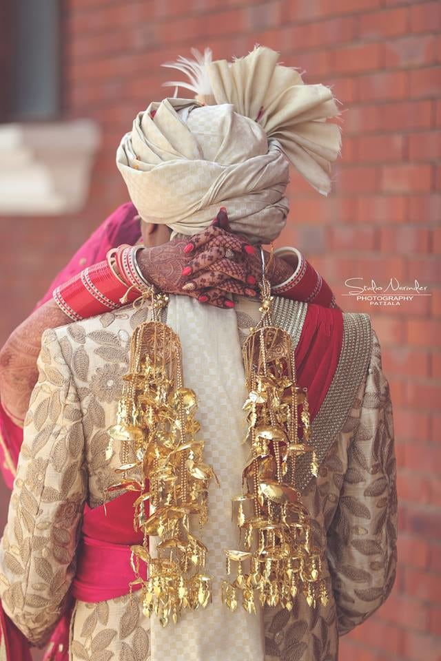 The theft hugs ! by Studio Narinder Photography Wedding-photography | Weddings Photos & Ideas