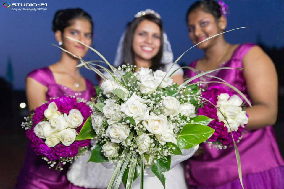 White roses for purity by Terence Pimenta Photography Wedding-photography | Weddings Photos & Ideas