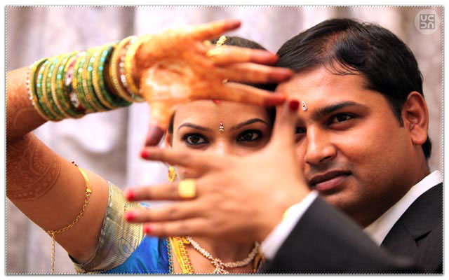 Bride and Groom Pose by Victory Studio Wedding-photography | Weddings Photos & Ideas
