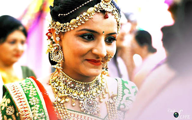 Smiling bride shot by Clicks of Life Wedding-photography | Weddings Photos & Ideas