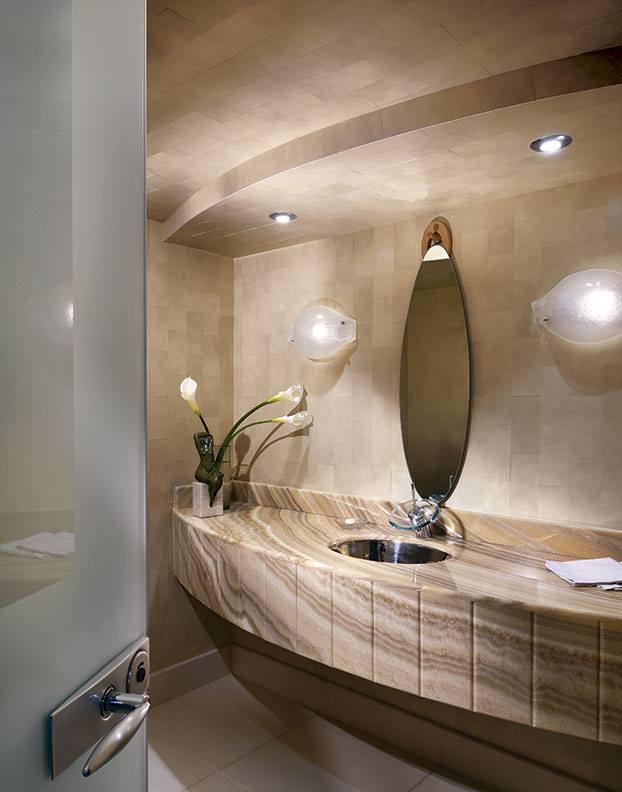 Minimal washrrom by DS Design Studio