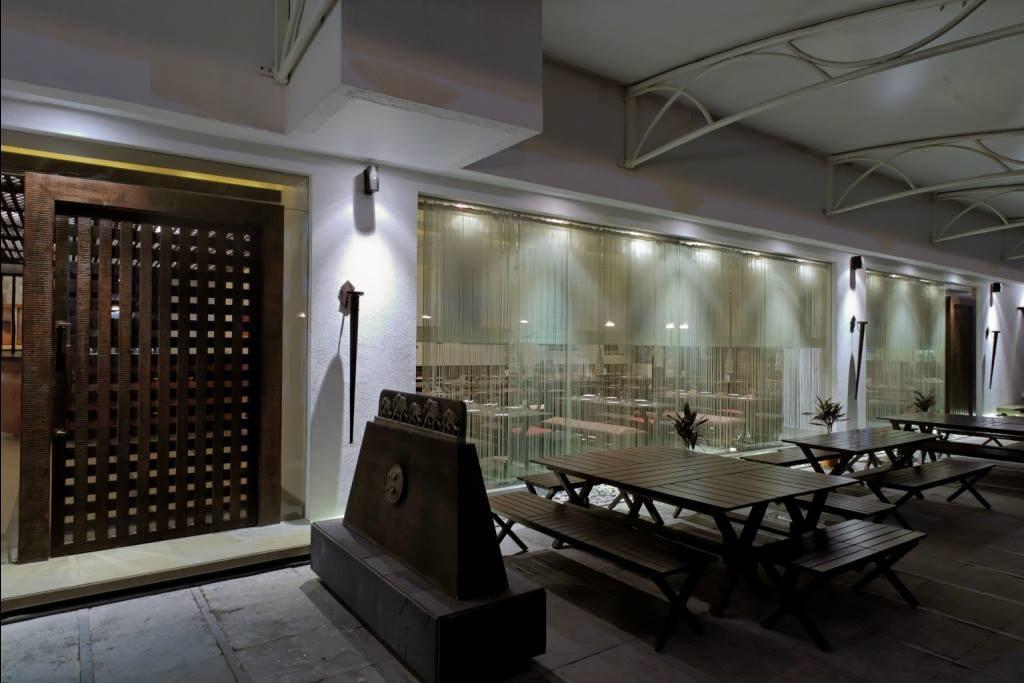 Modern restaurant space by Midas Dezign - The Golden Touch Modern | Interior Design Photos & Ideas