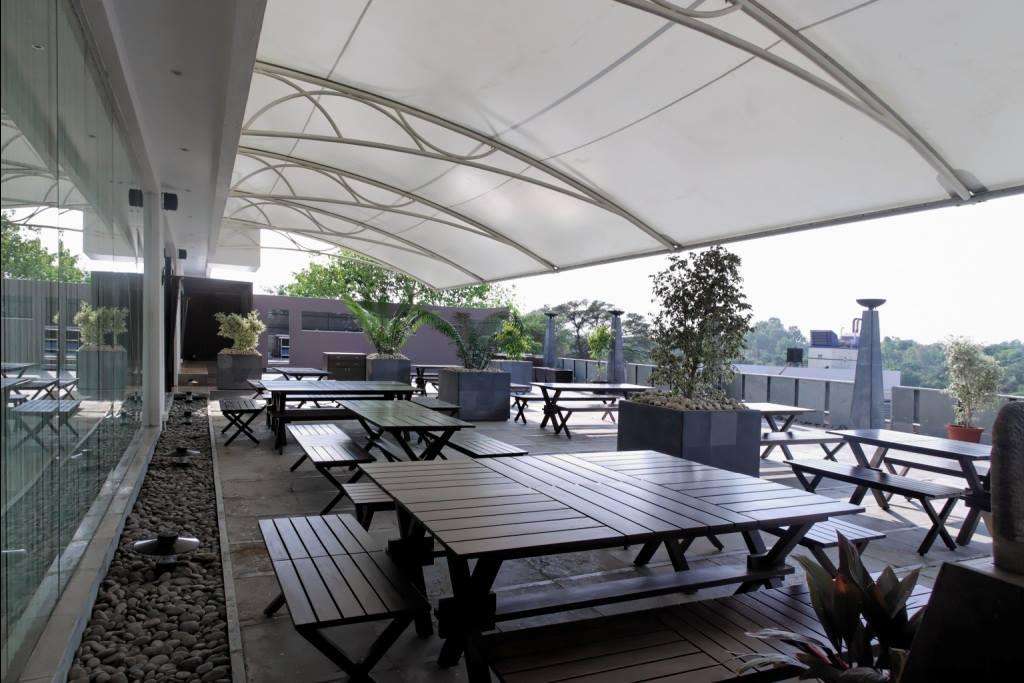 fine dining restaurant by Midas Dezign - The Golden Touch Modern | Interior Design Photos & Ideas