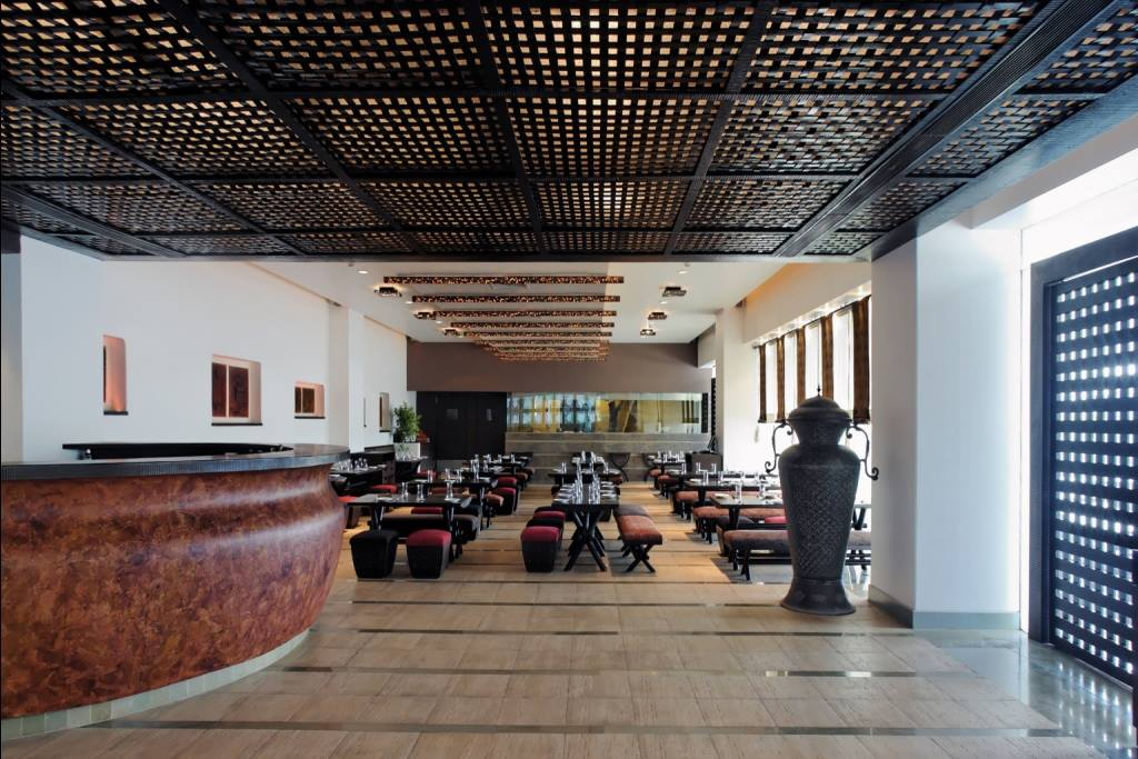 Contemporary fine dining restaurant by Midas Dezign - The Golden Touch Contemporary | Interior Design Photos & Ideas