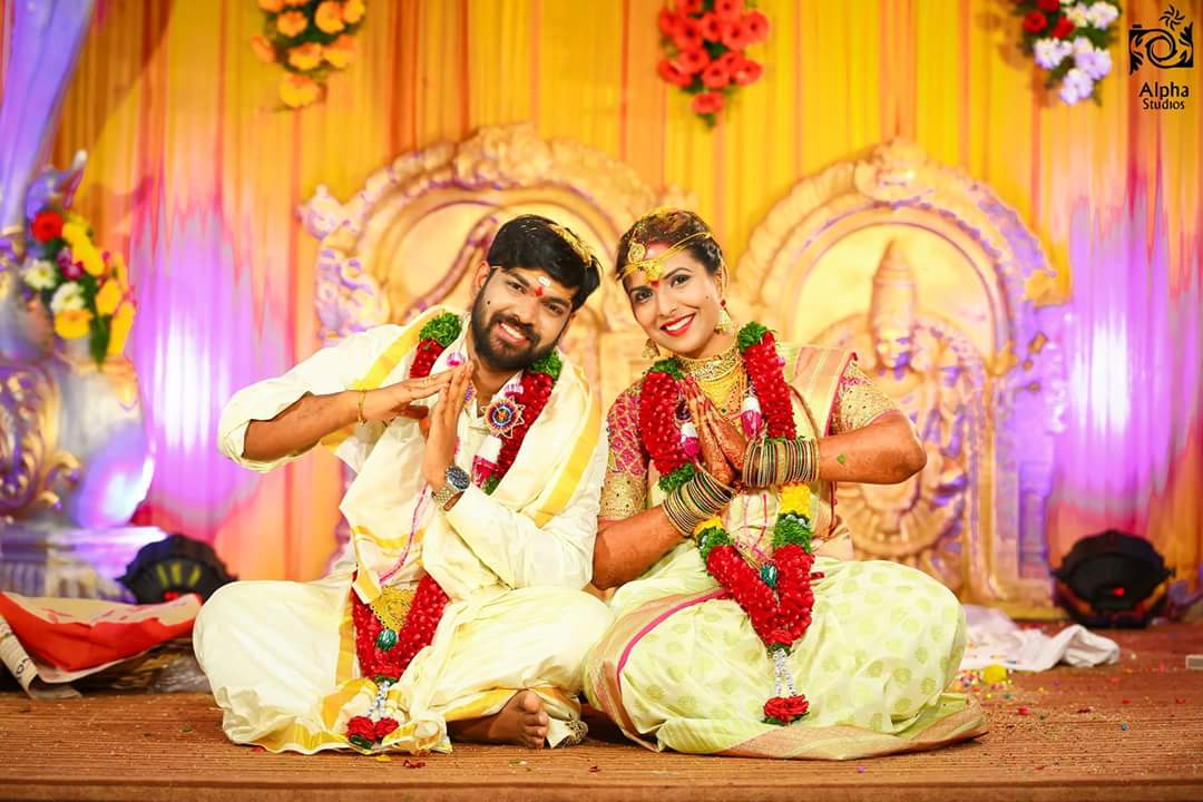 Fun Bride and Groom Pose by ALPHA STUDIOS Wedding-photography | Weddings Photos & Ideas